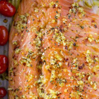 Raw spicy garlic salmon