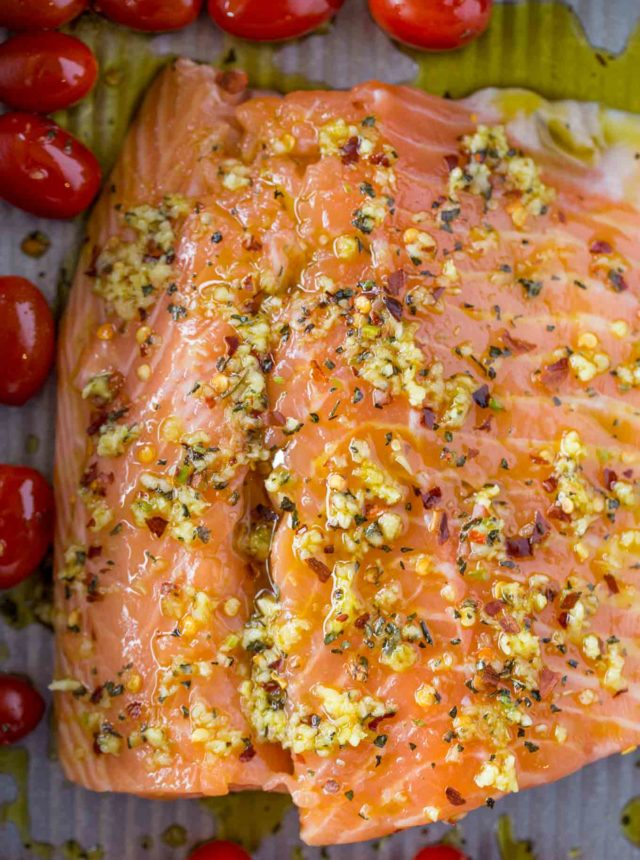 Raw spicy garlic salmon