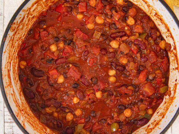 Vegetarian Chili in pot