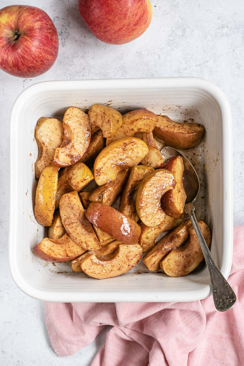 Healthy Baked Sliced Apples in pan